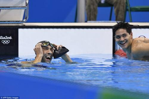 372BD73800000578-3738438-Despite_the_loss_Phelps_was_all_smiles_with_Schooling_as_they_lo-a-50_1471058163677