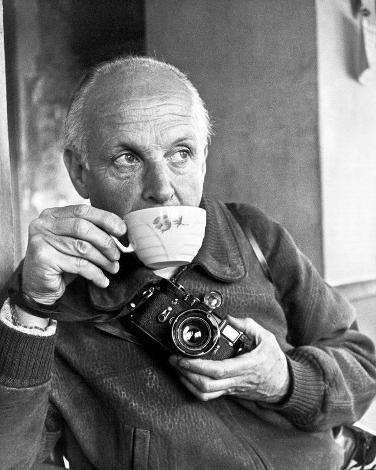 著名摄影师布列松鹤英国女王都是忠实的徕卡用户。