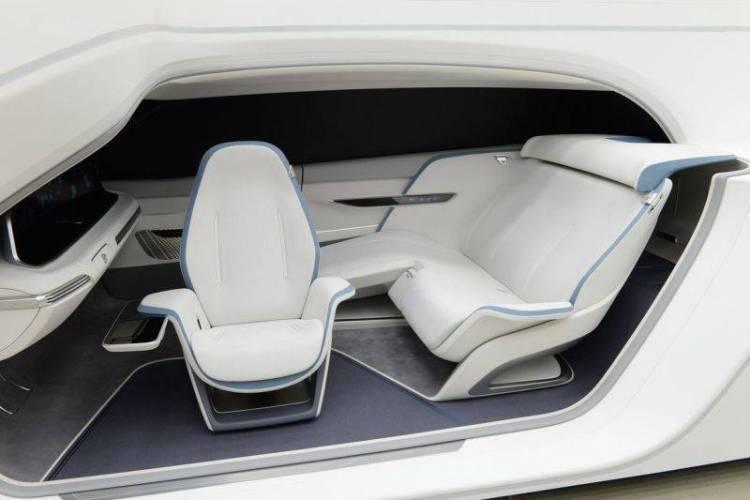 Hyundais-Mobility-Vision-Concept-makes-the-Car-Part-of-the-Home-4