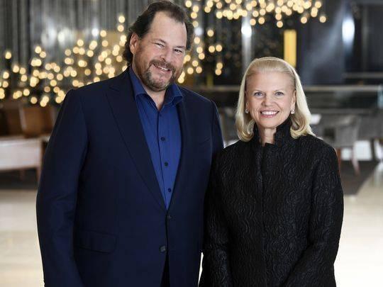 Salesforce 的 CEO Marc Benioff 和 IBM 的 CEO Ginni Rometty