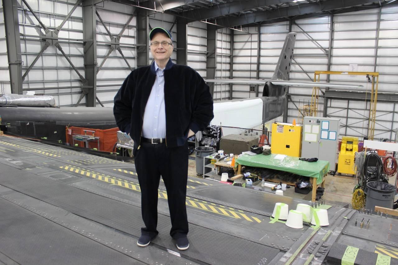 微软联合创始人造出了史上最大飞机,一次可发射三枚火箭!