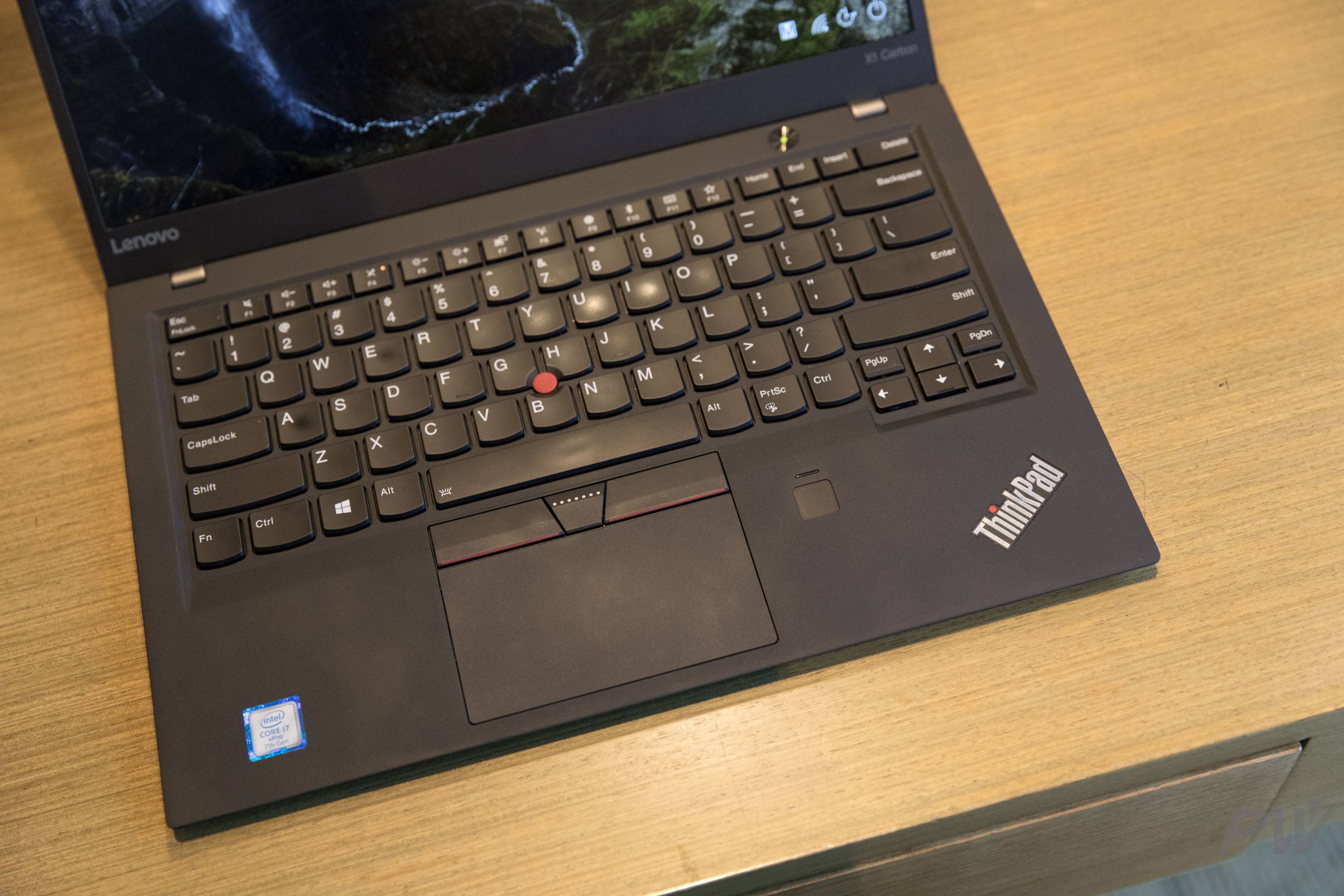 Lenovo ThinkPad X 1 Carbon 2017 PW Photo by Hao Ying-26