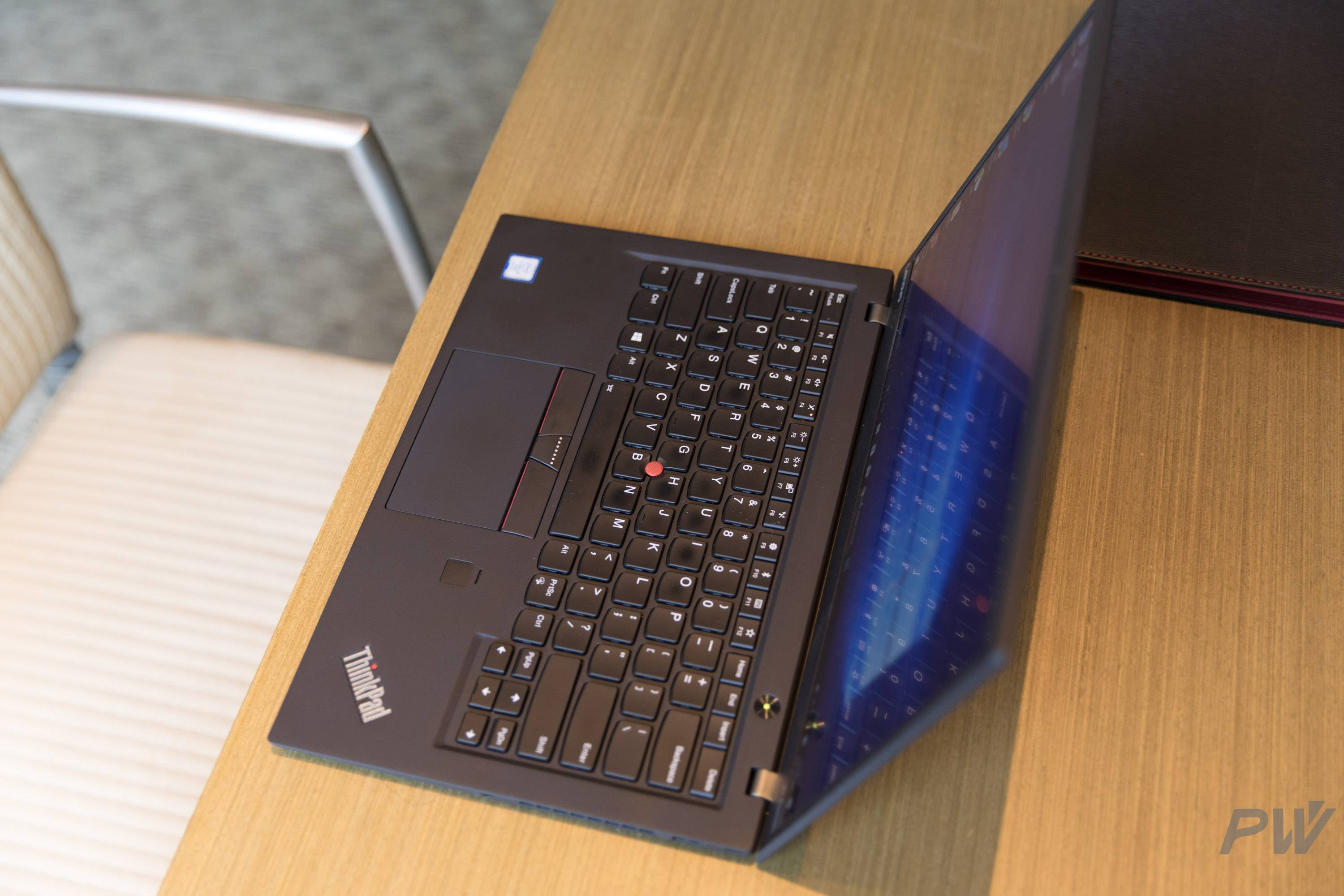 Lenovo ThinkPad X 1 Carbon 2017 PW Photo by Hao Ying-9