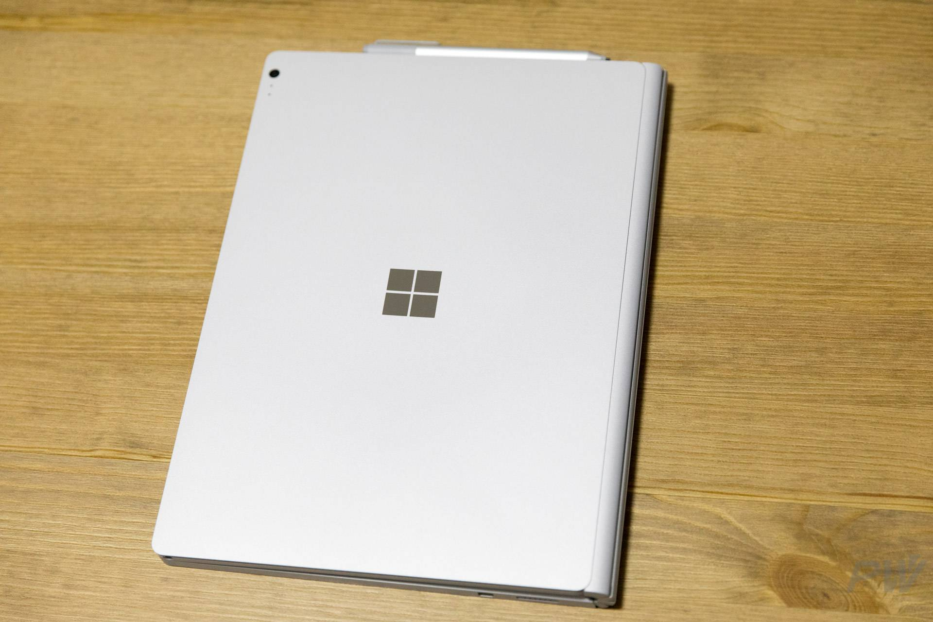 Microsoft Surface Book 2017 Photo by Hao Ying-12