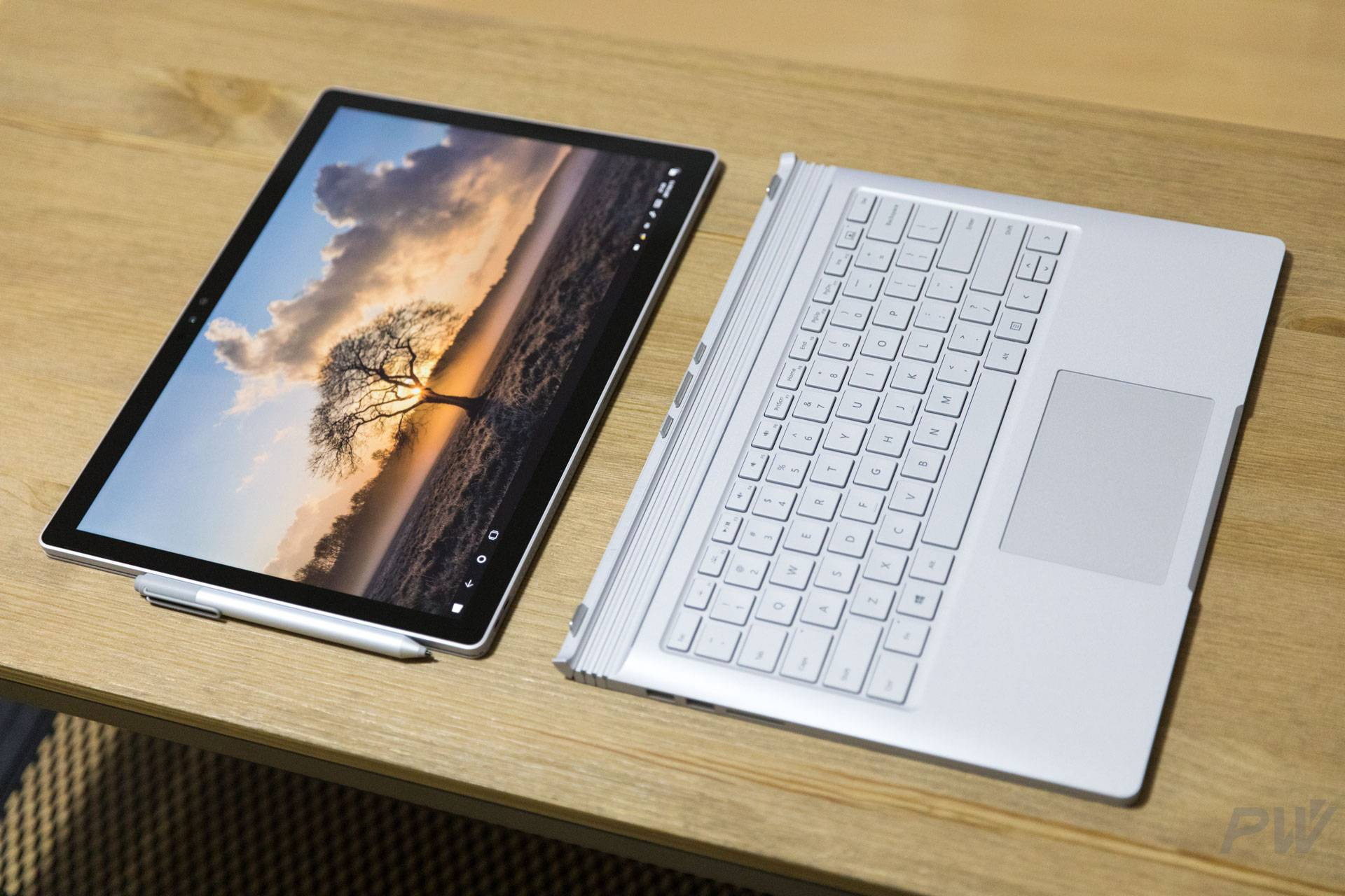 Microsoft Surface Book 2017 Photo by Hao Ying-19