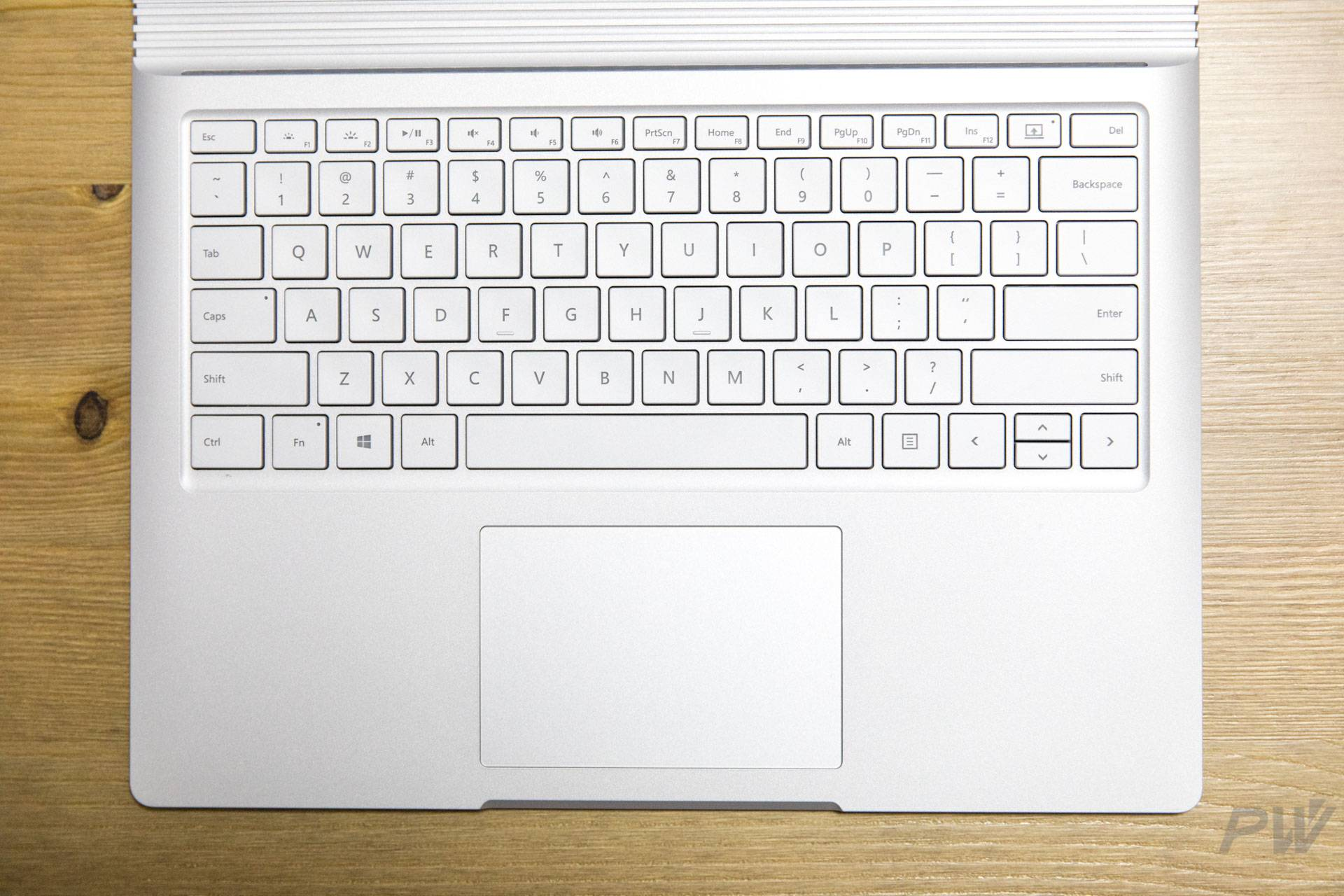 Microsoft Surface Book 2017 Photo by Hao Ying-3