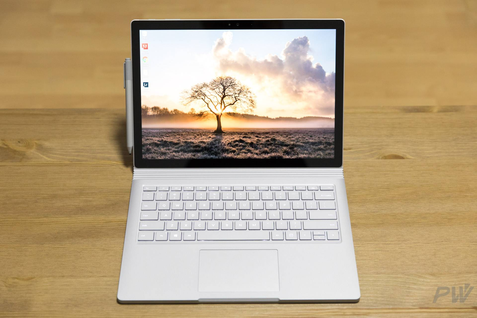 Microsoft Surface Book 2017 Photo by Hao Ying-5