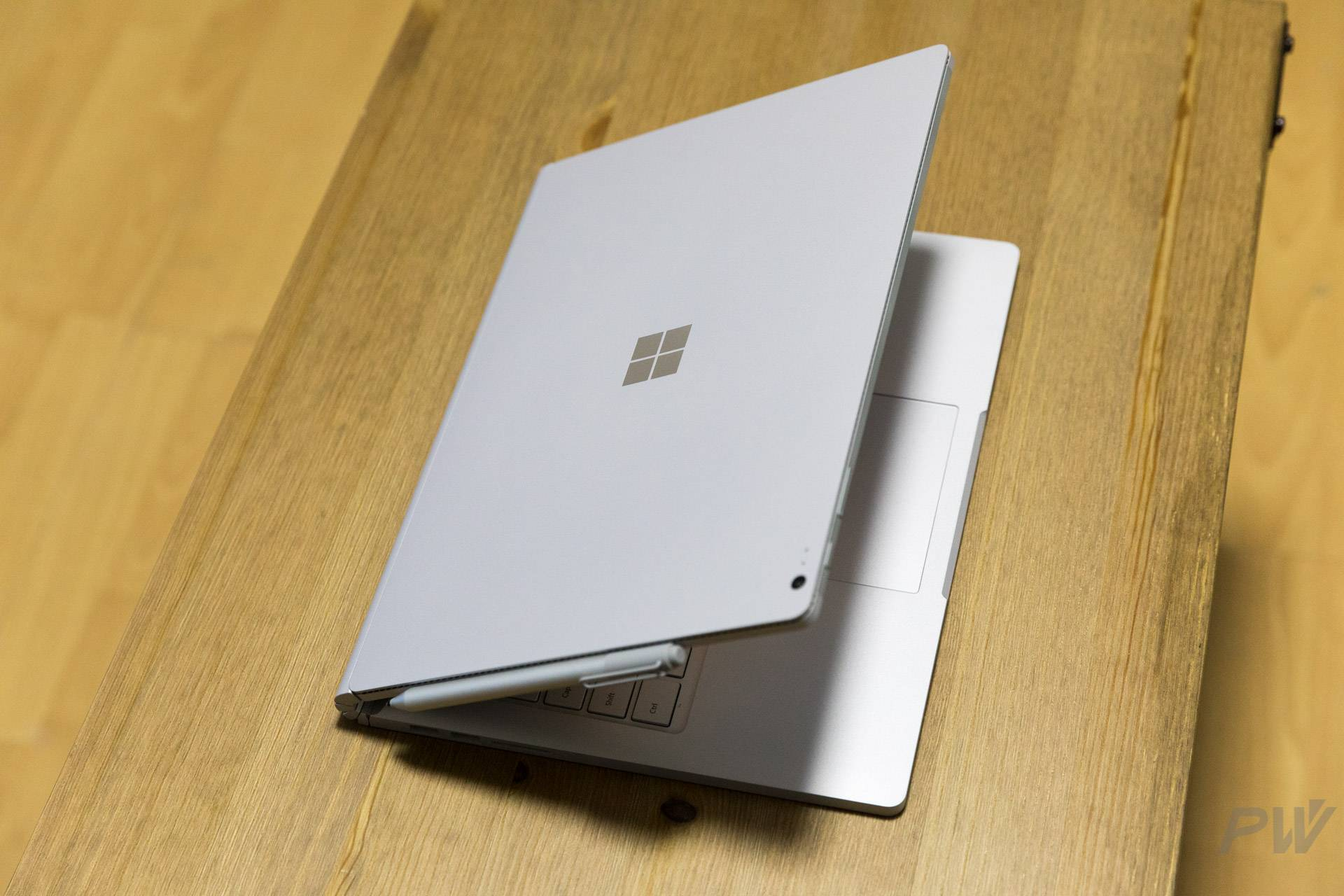 Microsoft Surface Book 2017 Photo by Hao Ying-9