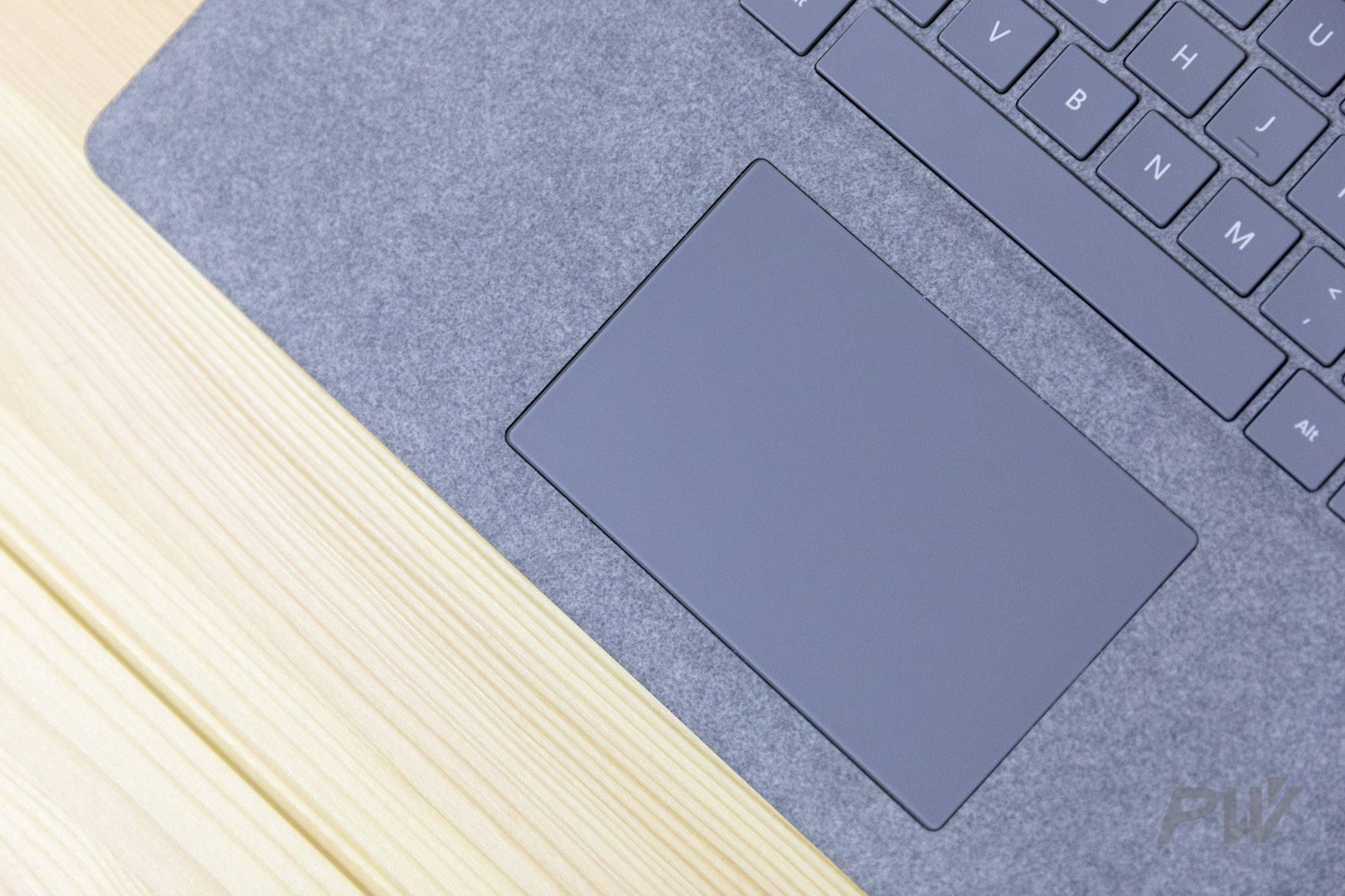 Microsoft Surface Laptop Photo By Hao Ying-2
