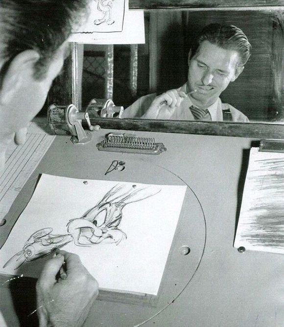 迪士尼的动画师摆表情为作画提供参考