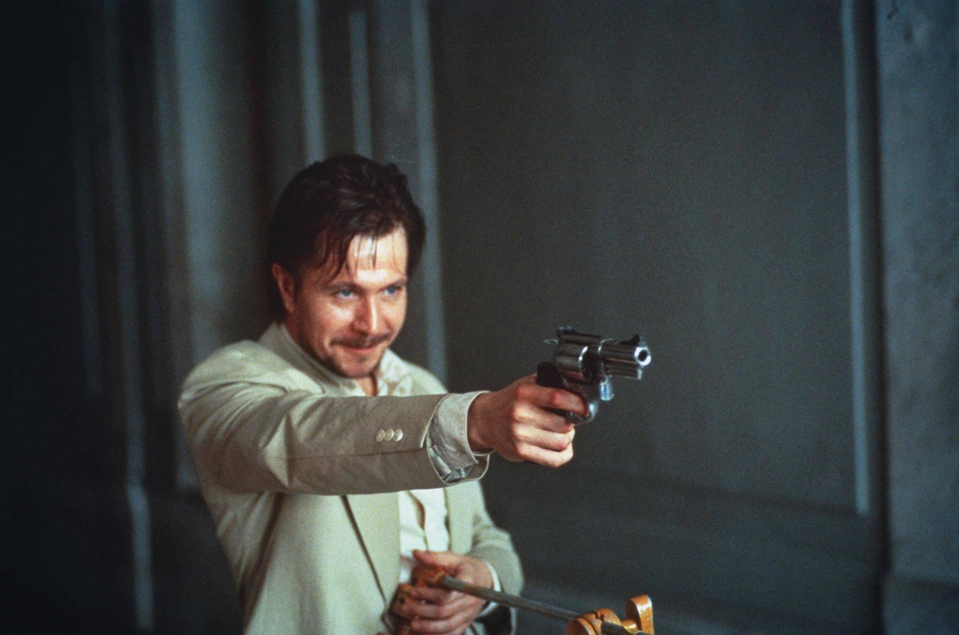 《这个杀手不太冷》里的加里·奥德曼